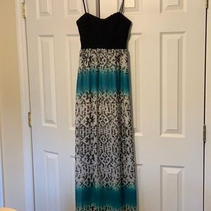 Junior backless maxi dress size large